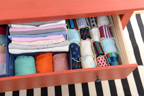 How To Arrange A Wardrobe With Many Clothes