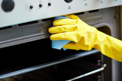 How To Clean An Oven At Home?